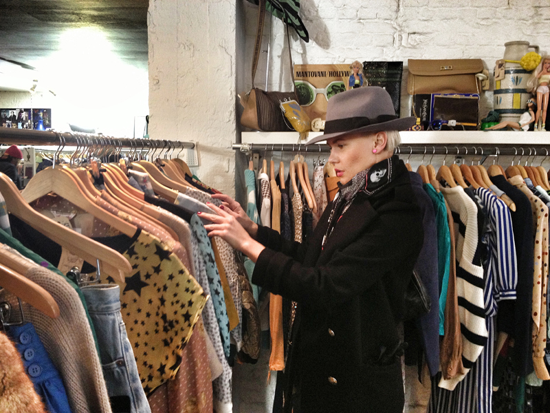 jana-tomas-in-jutka-and-riska-vintage-shop-antwerp-5