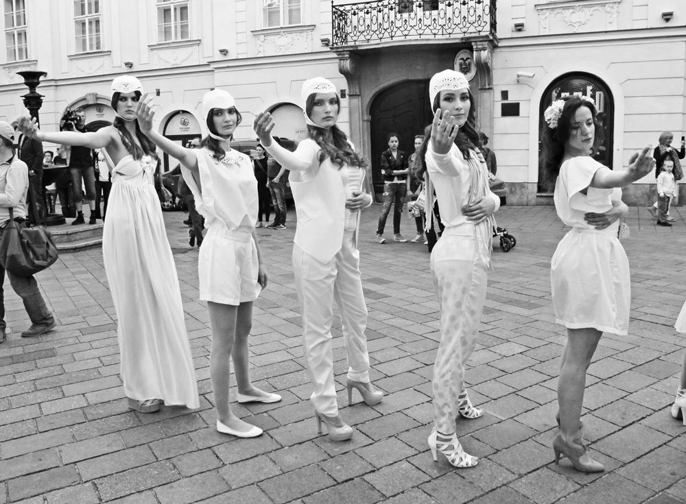 janatini-jana-tomas-fashion-mars-bratislava-2014-small-6