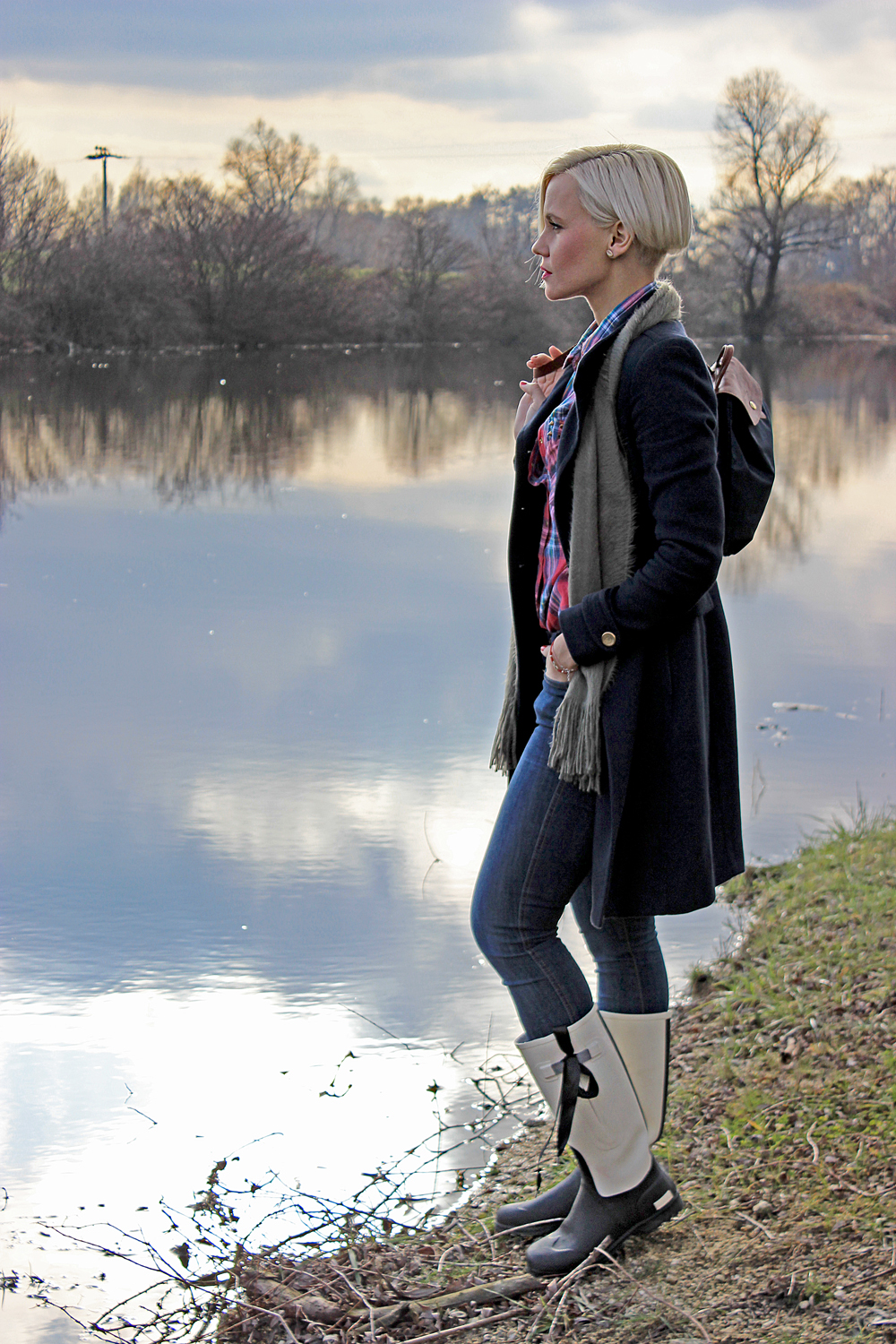 lake-winter-wellies-novesta-janatini-jana-tomas-2