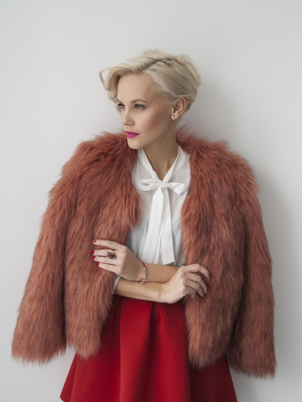 pink-fur-coat-janatini-jana-tomas-1
