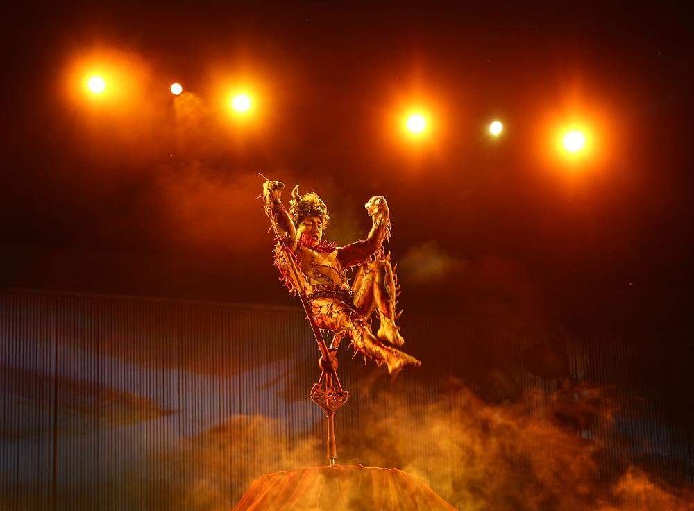 cirque-du-soleil-allavita!-expo-2015-milano-italy-janatini-10