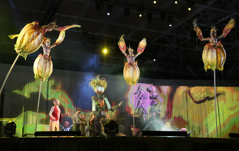cirque-du-soleil-allavita!-expo-2015-milano-italy-janatini-14