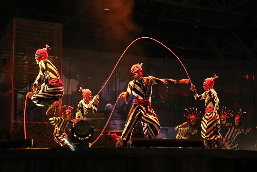 cirque-du-soleil-allavita!-expo-2015-milano-italy-janatini-21