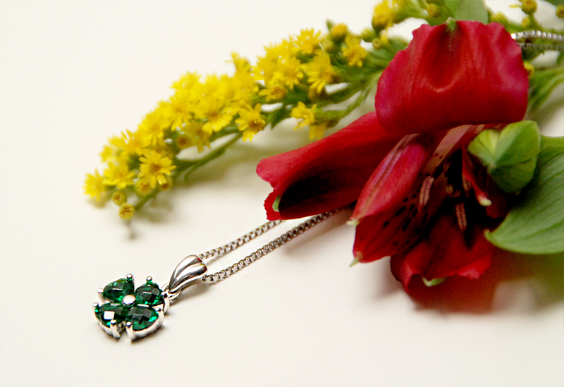 small-necklace-emerald-janatini