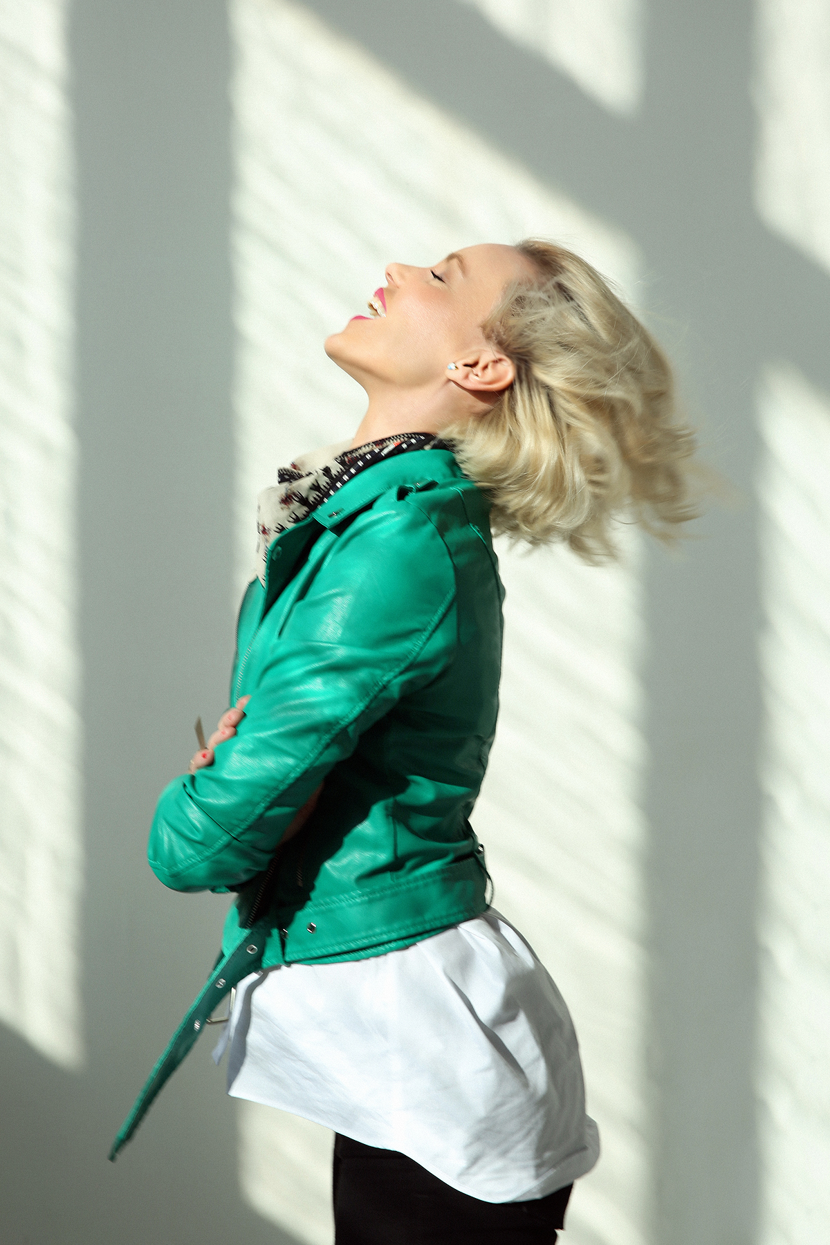 janatini-green-leather-jacket-mohito-jana-tomas-7