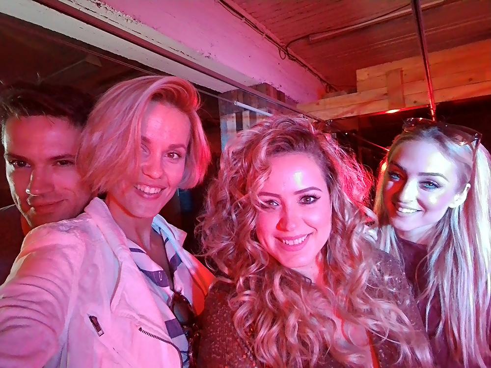 dominika-mirgova-dole-backstage-janatini-31