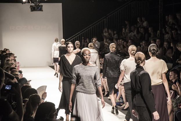 rozbora-couture-vienna-fashion-week-janatini-4