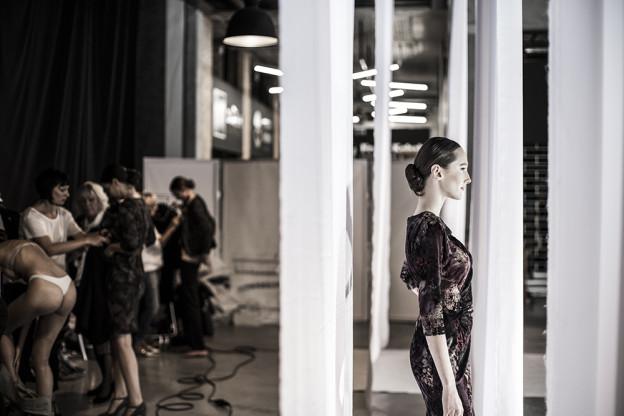 donna-rosi-fw16-backstage-janatini-6
