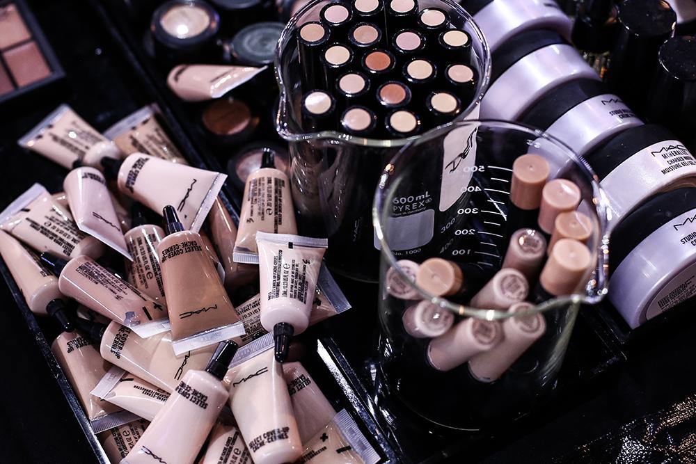 janatini-mac-backstage-mbpfw-prague-fashion-week-fw1718-jana-tomas-8